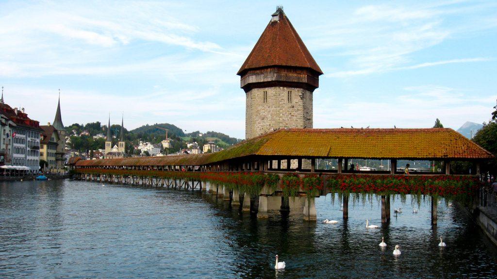 Puente de Chapel - Suiza - Parquets Tropicales