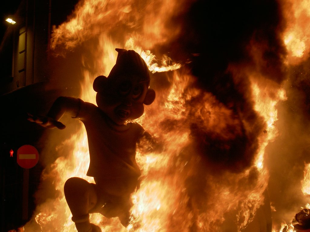 Falla quemándose - Parquets Tropicales