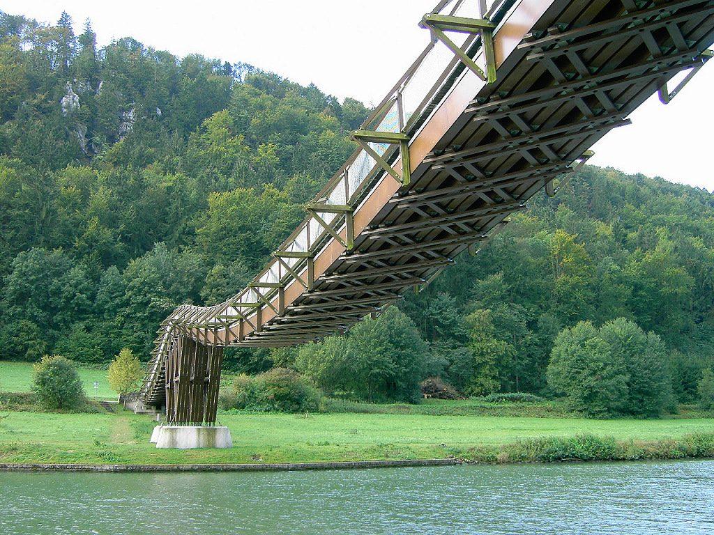 Puente sobre el río Essing