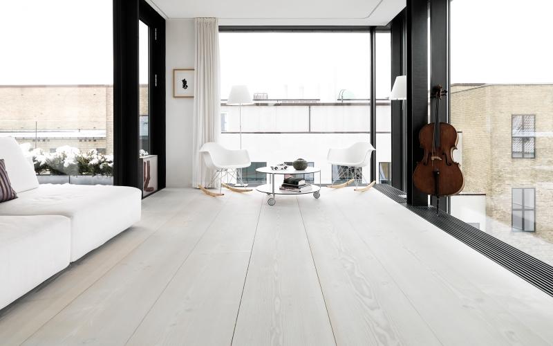 Parques Tropicales - Salón parquet blanco - minimalismo